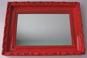 red-rectangle-mirror-apartmentjeanie