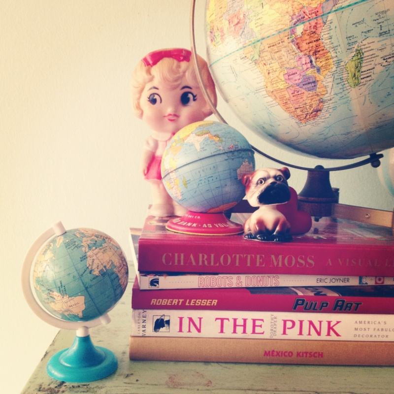 vintage-doll-globe-books-display